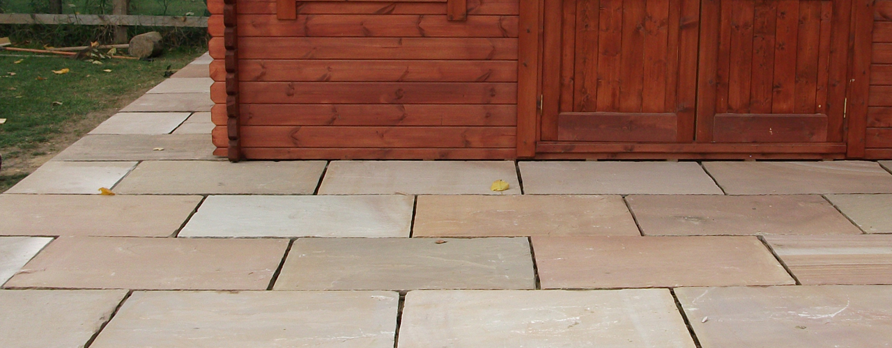 block paving driveways, tar and chip decorative stone, paving, patios, roofing, fencing, brickwork, landscaping